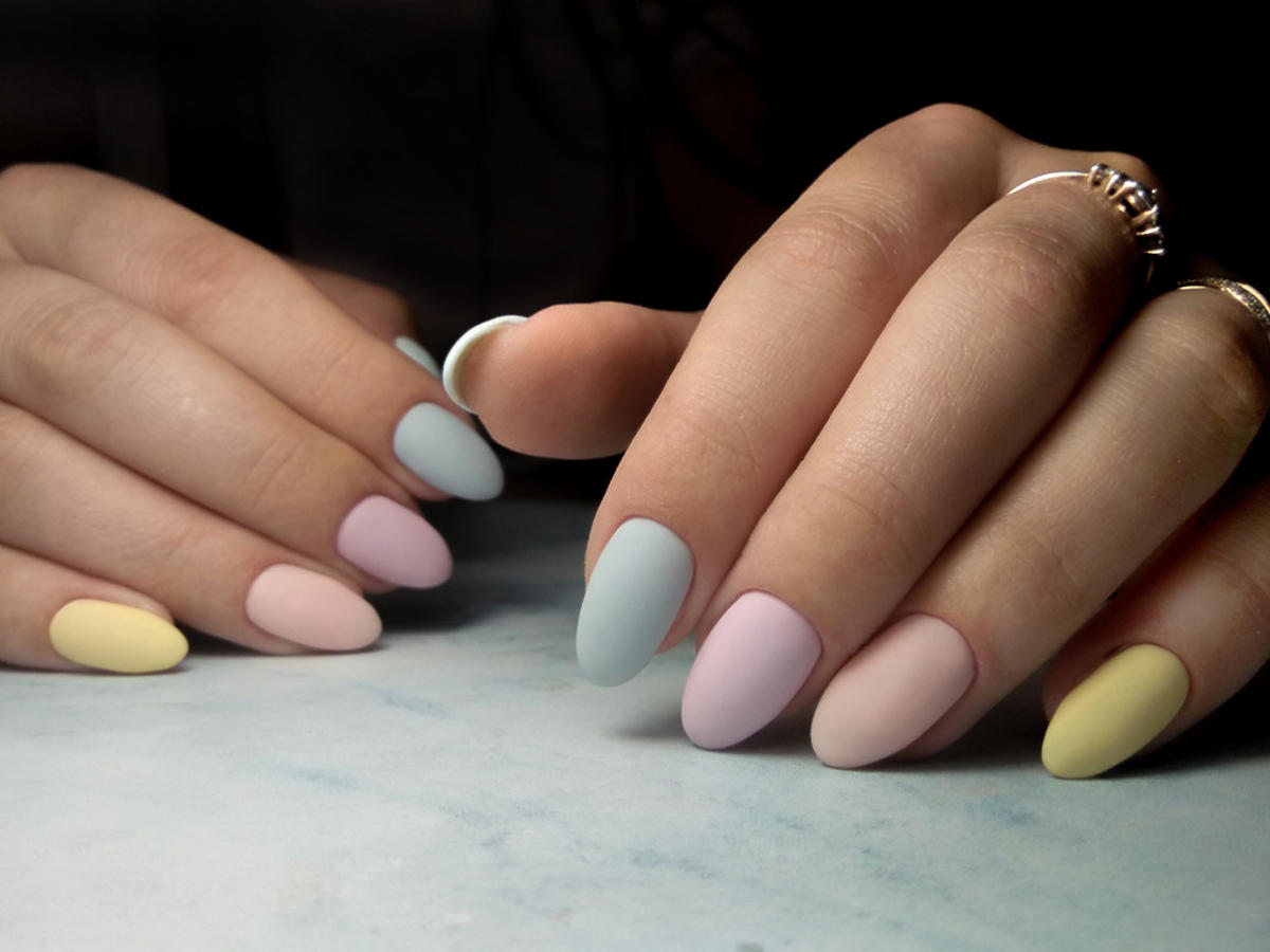 modne kolory paznokci na wiosnę 2021