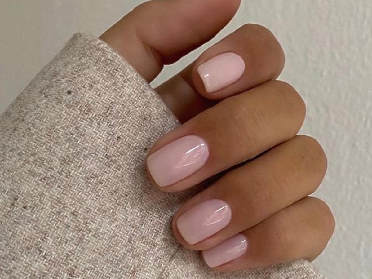 modne paznokcie rose nails