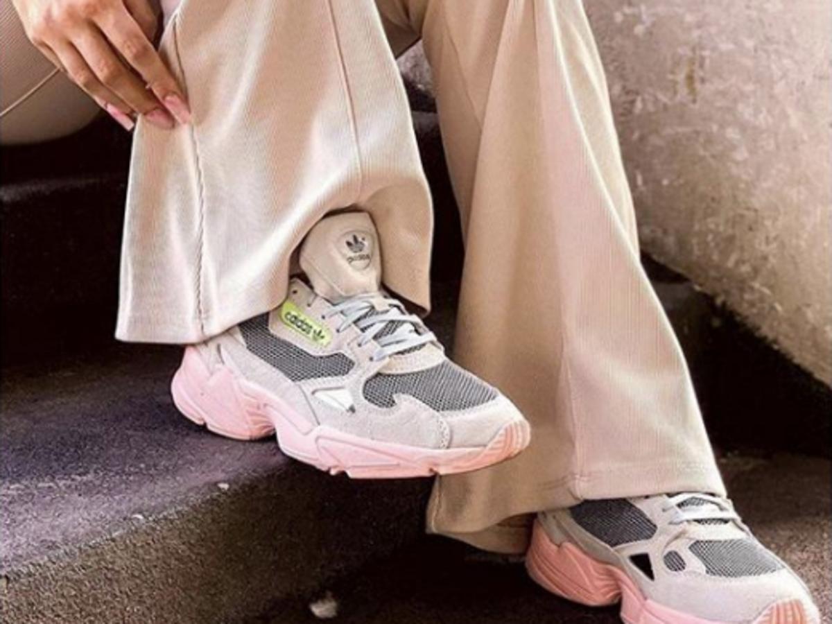 Modne sneakersy Adidas Falcon są hitem na Instagramie