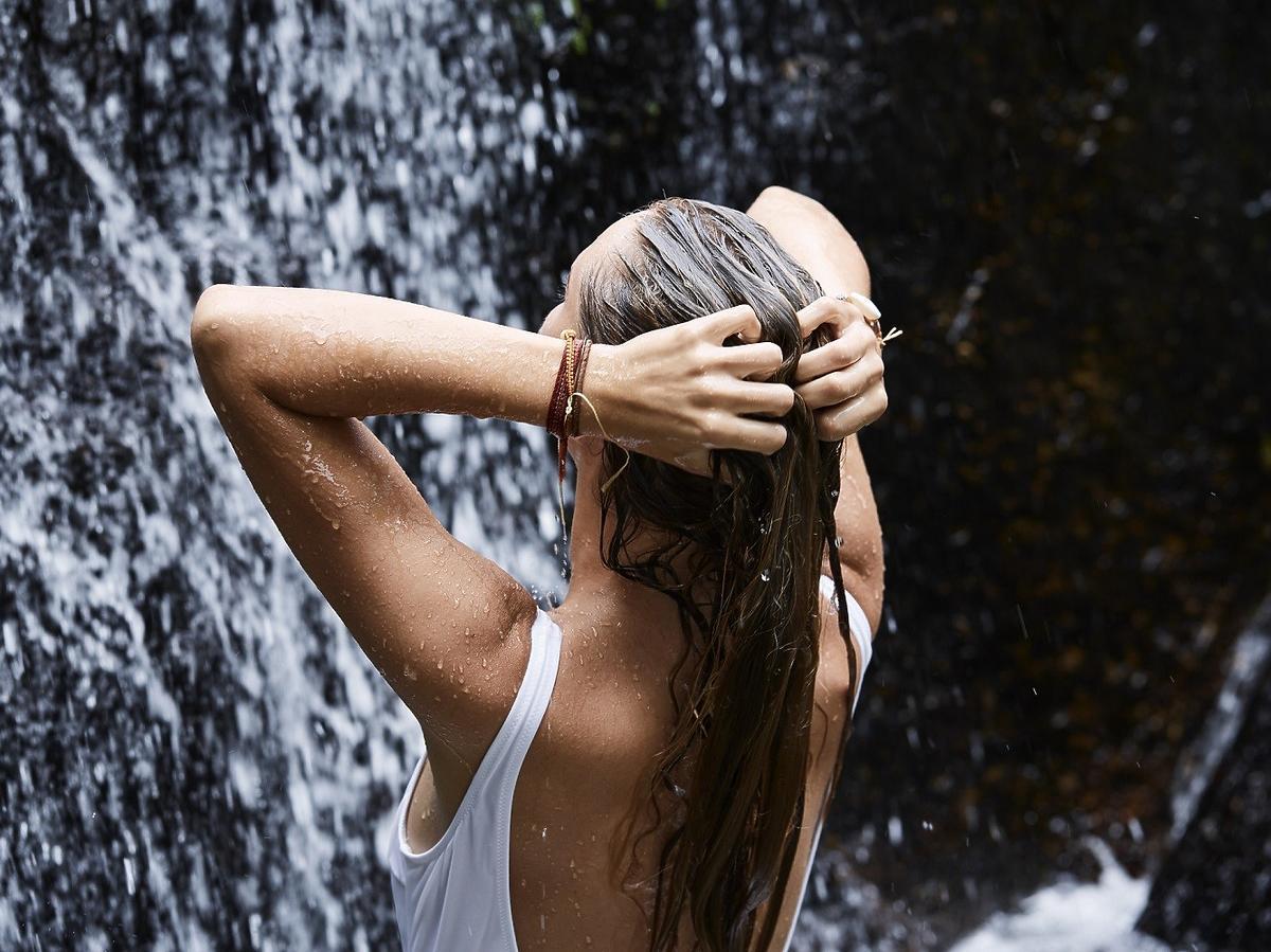 Mycie włosów orzechami piorącymi