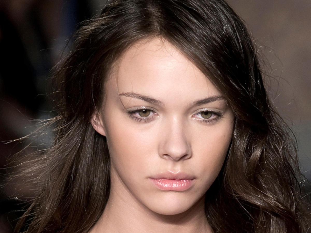 Najbardziej kobiece fryzury na wiosnę-lato 2014