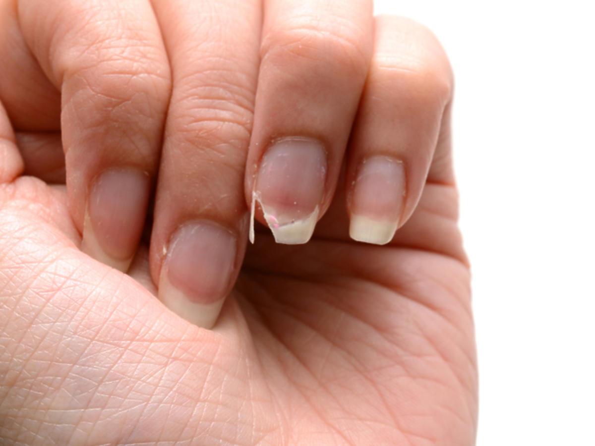 Najlepsze odżywki do paznokci po hybrydzie [TOP 5]