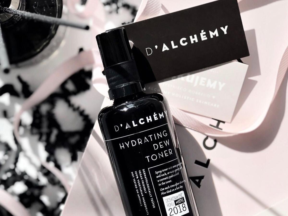 nawilżający tonik do twarzy w spray'u D'ALCHÉMY