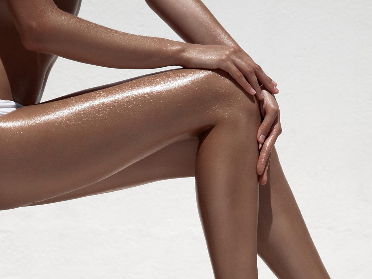 nogi po użyciu samoopalacza