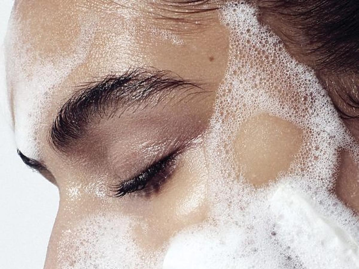 oczyszczanie twarzy żelem z Lidla