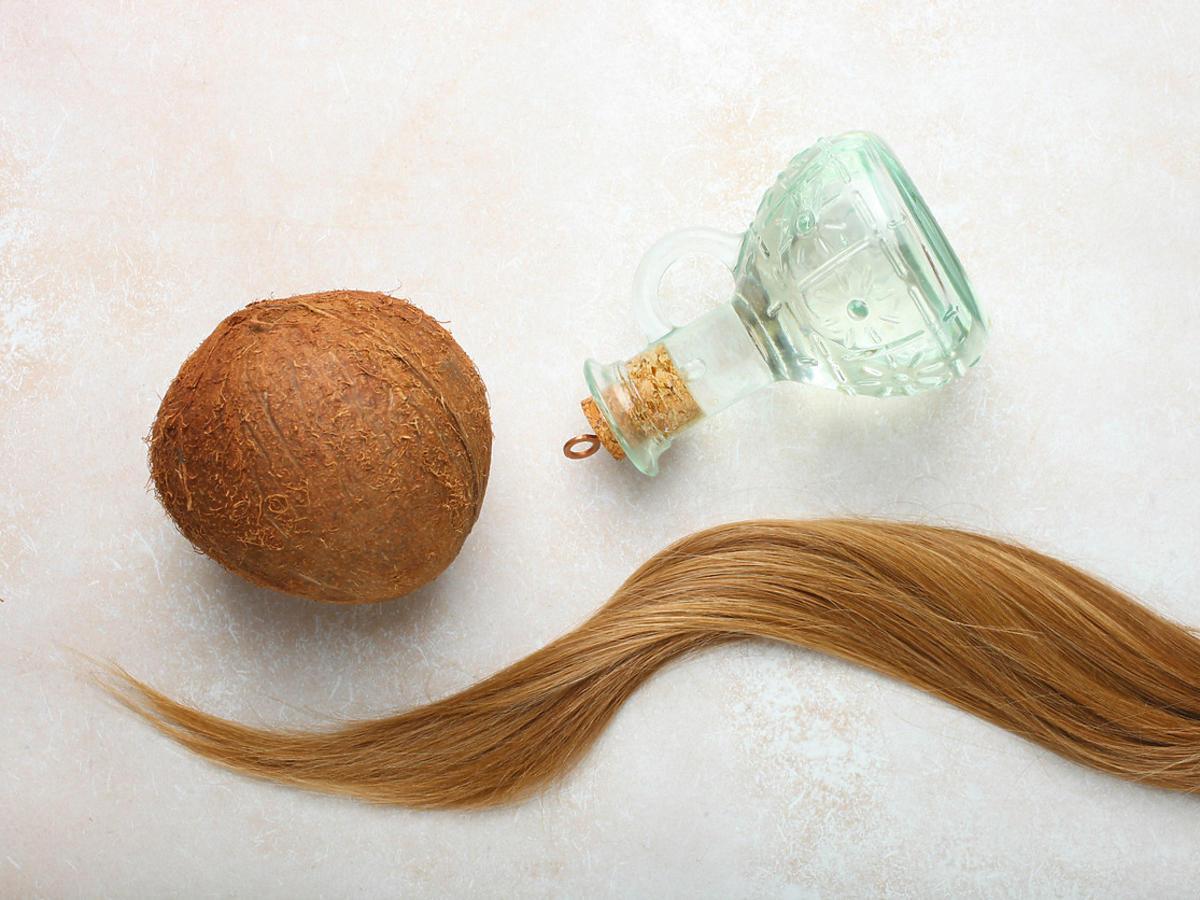 olej kokosowy do olejowania włosów
