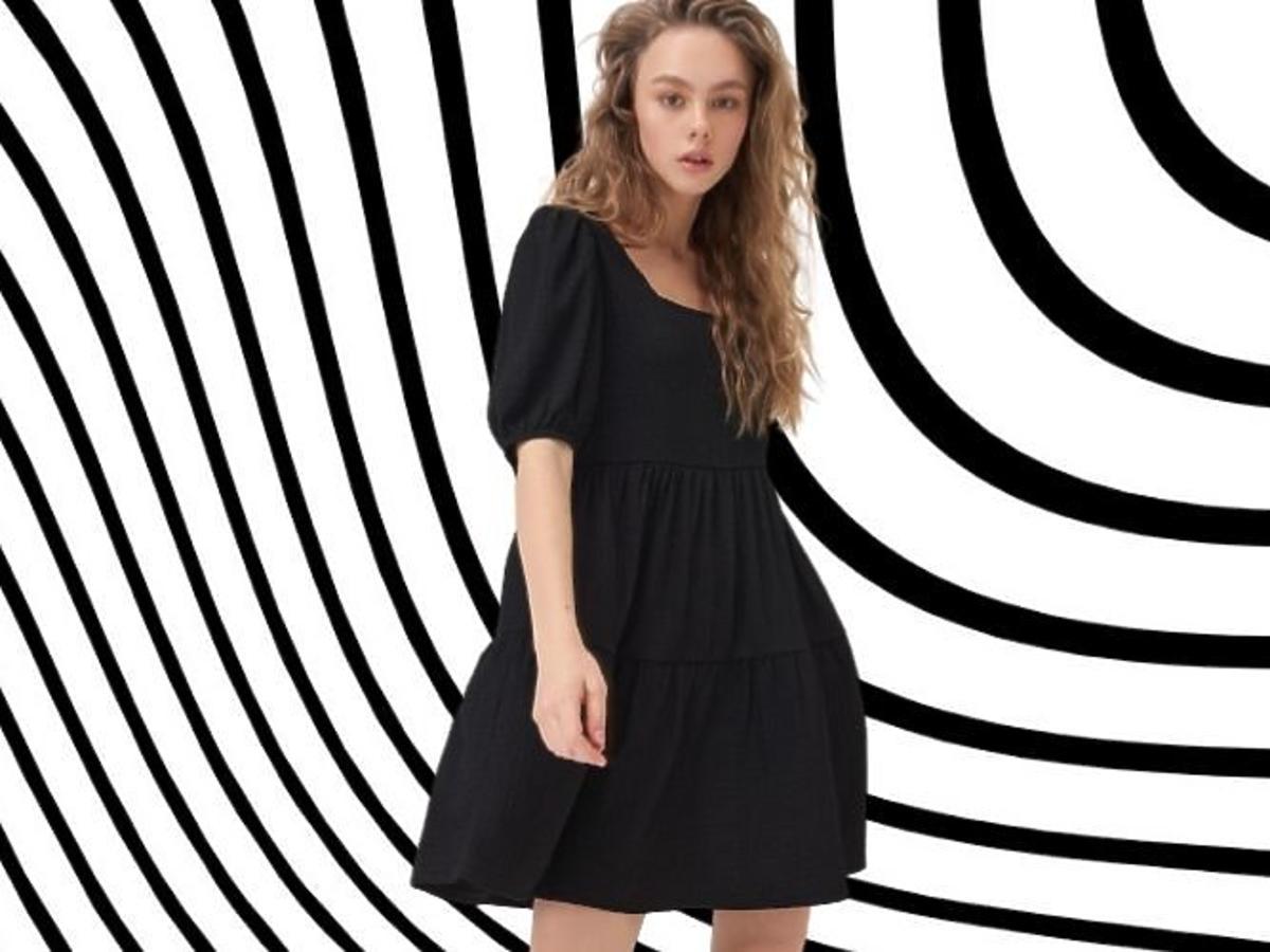 Oversizowa sukienka z Sinsay