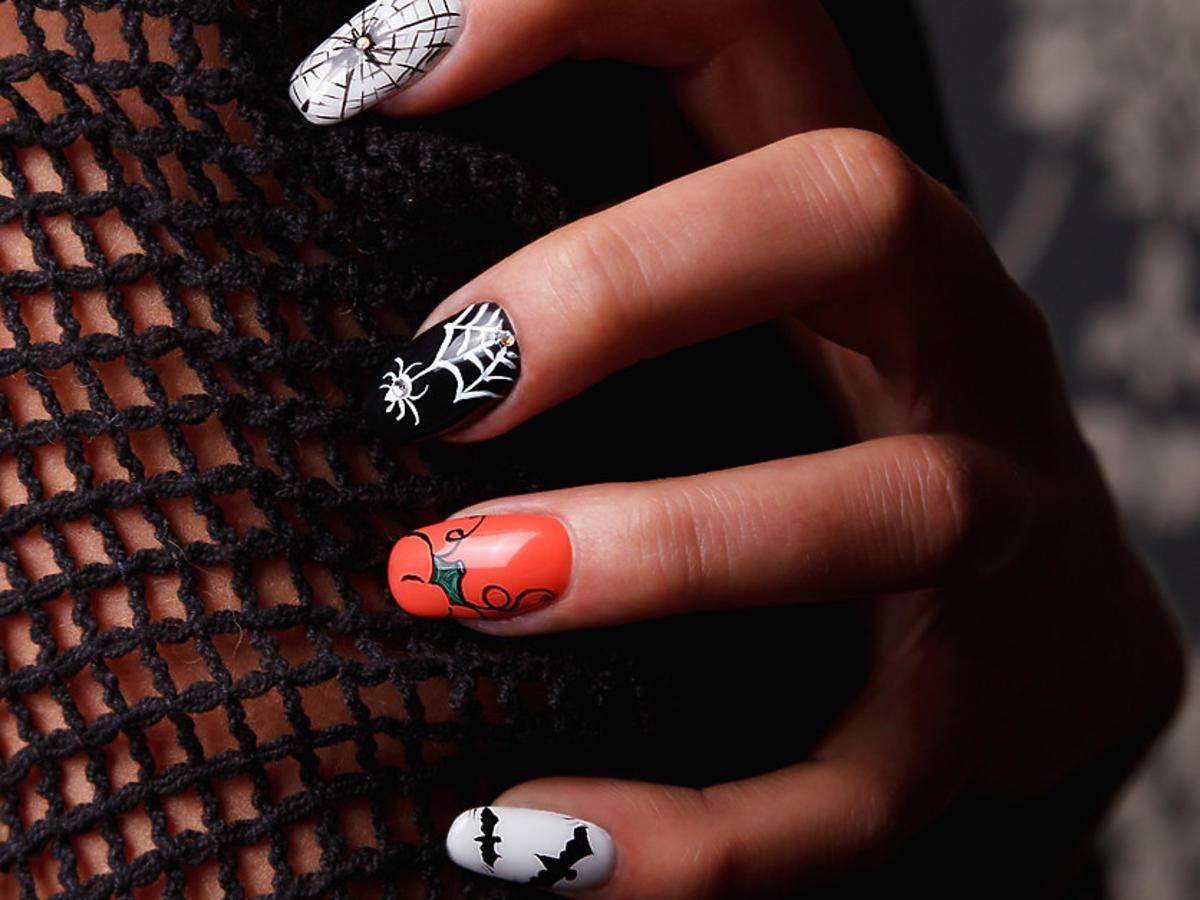 paznokcie halloweenowe 2020