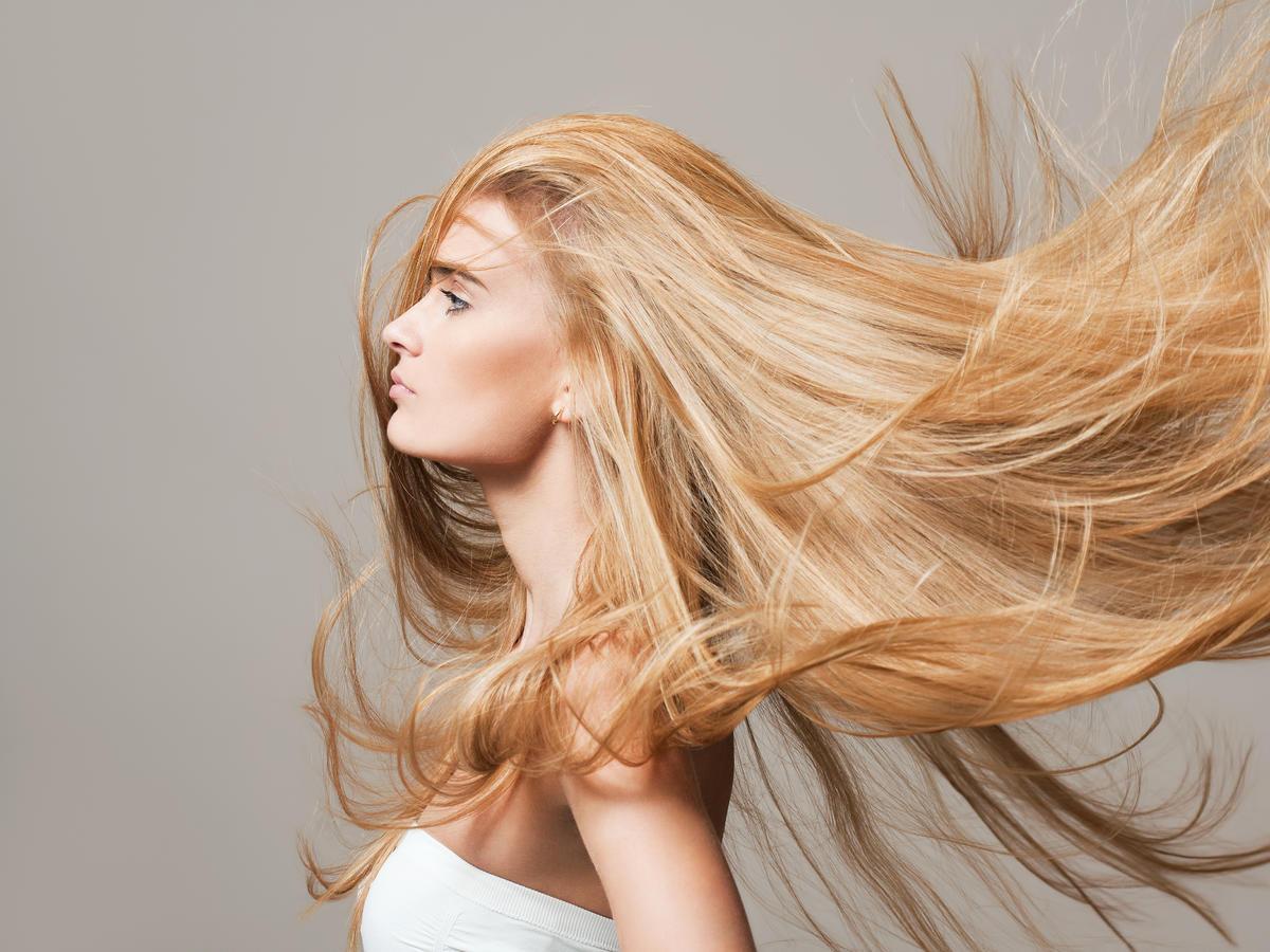 Pełne objętości włosy to marzenie każdej kobiety
