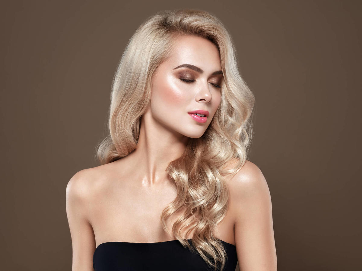 piaskowy blond