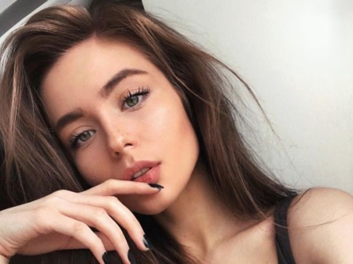 piękna dziewczyna selfie