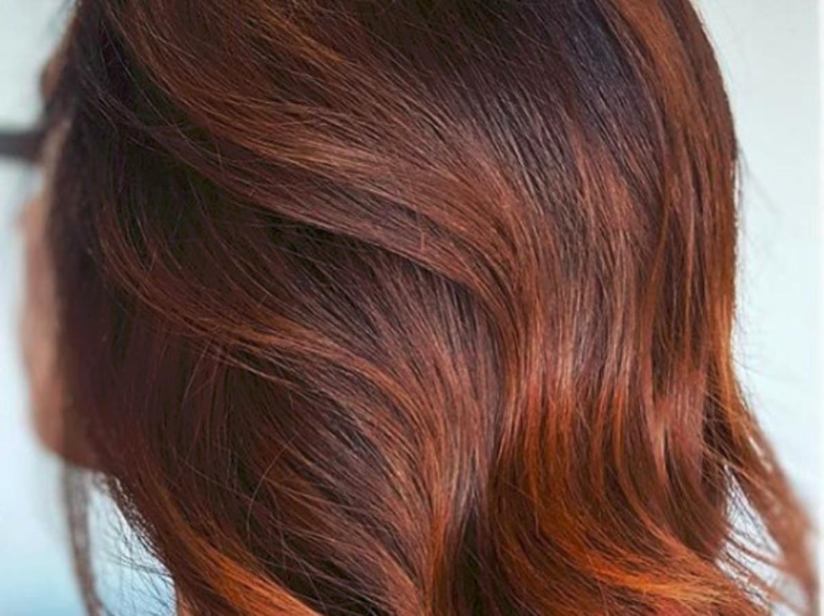 piernikowa koloryzacja włosów