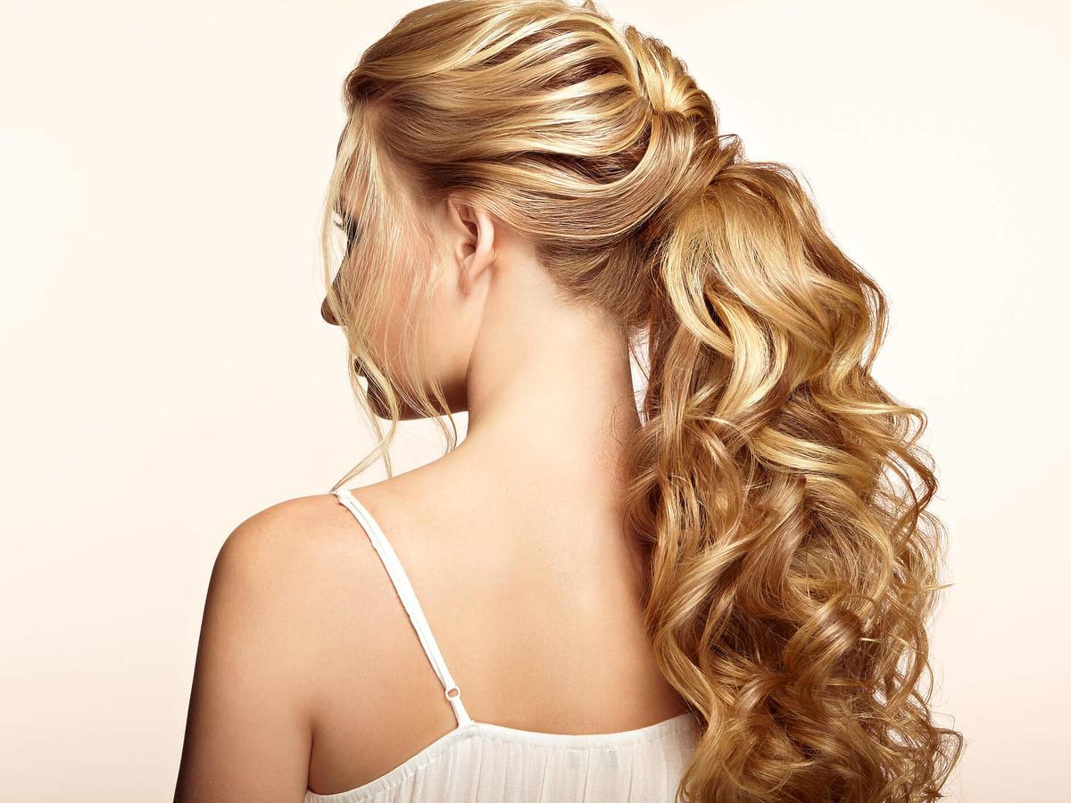 proste upięcie długich włosów