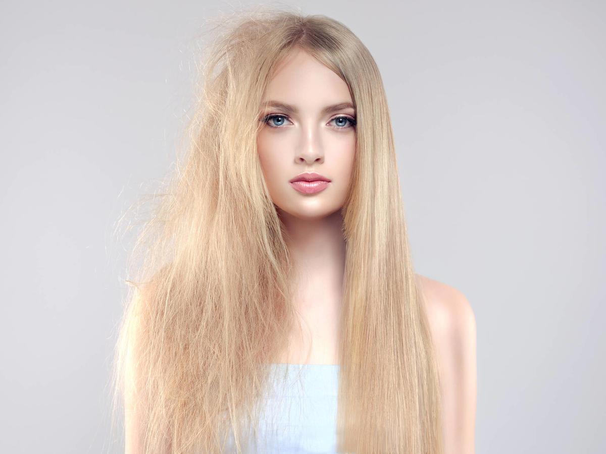 prostowanie włosów bez prostownicy