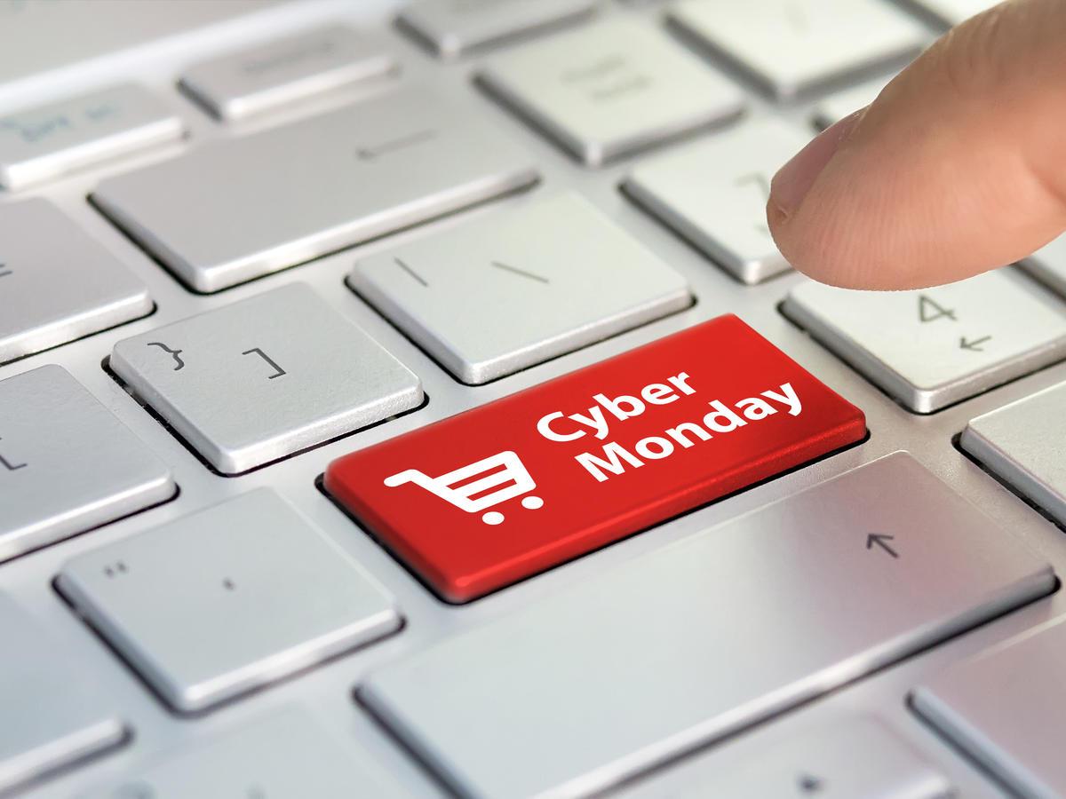przycisk cyber monday