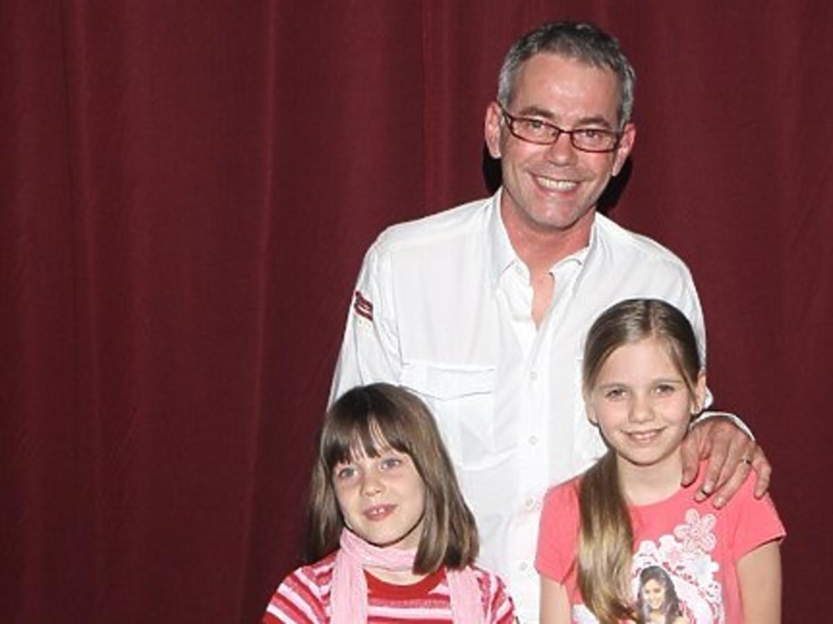 robert janowski z córkami