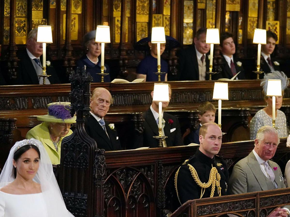 Rodzina królewska, a obok Meghan w czasie uroczystości ślubu jej i Harry'ego