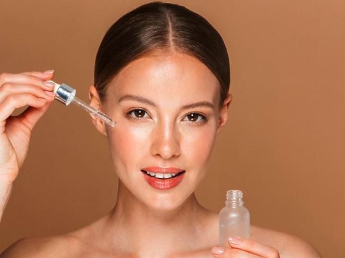 serum z kwasem na twarz
