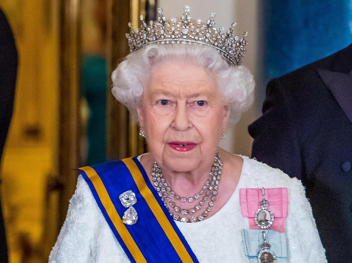 Skandal w rodzinie królewskiej! Kolejny bliski królowej Elżbiety II został oskarżony o próbę gwałtu
