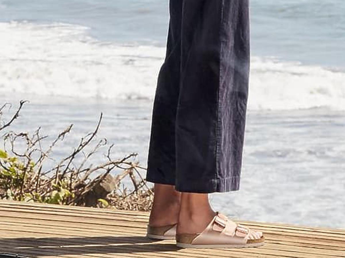 skórzane sandały i klapki w Lidlu cena buty na lato 2020