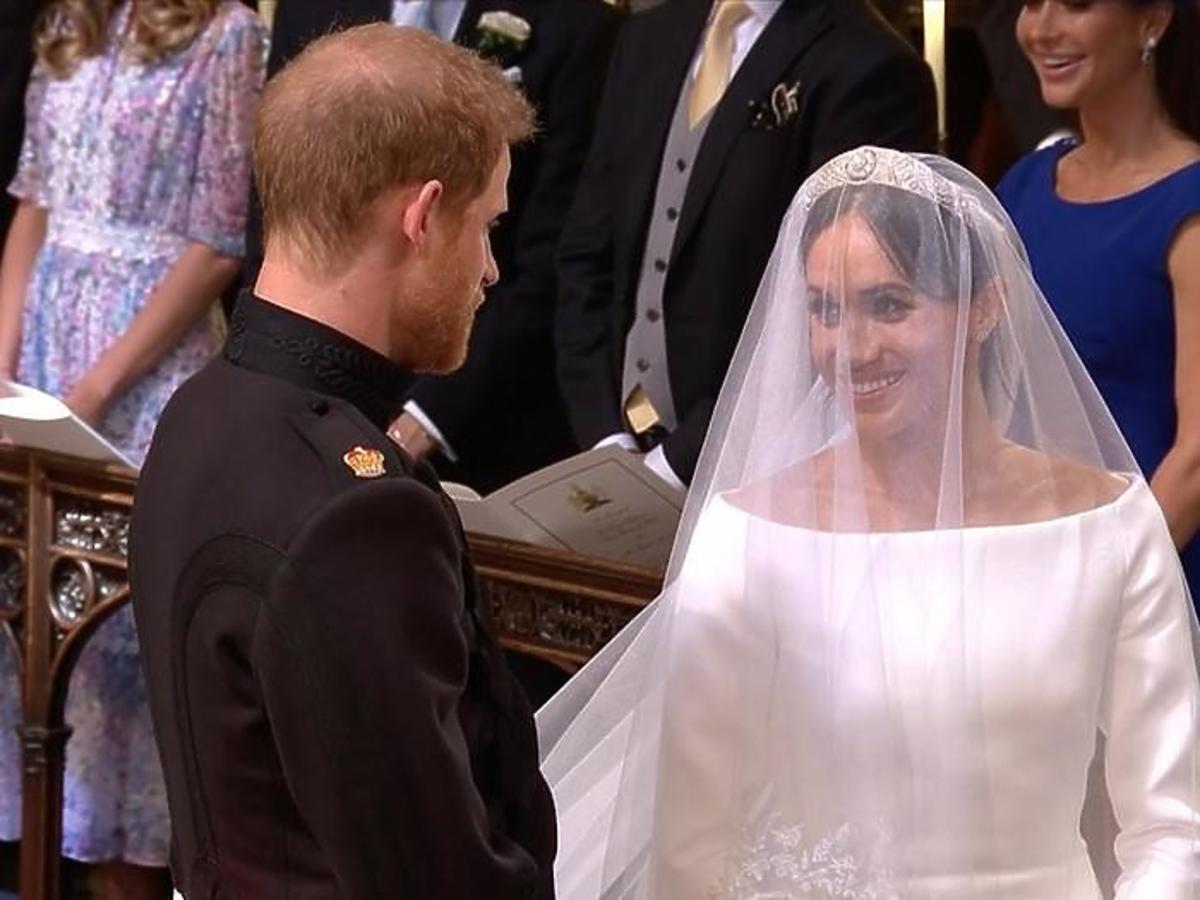 Ślubna tiara Meghan Markle doprowadziła do kłótni z królową Elżbietą II. Na jaw wychodzą nowe fakty