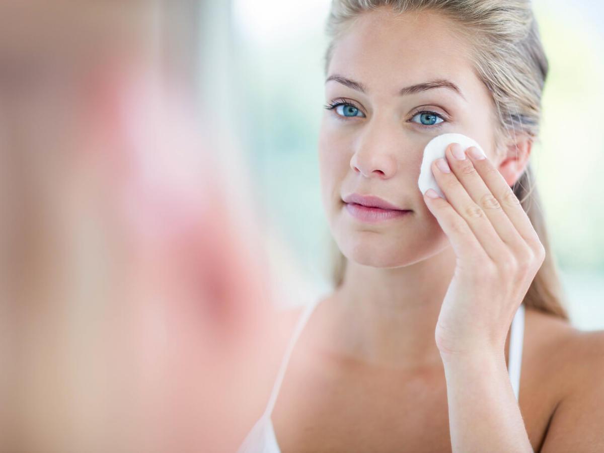 stosowanie toniku z kwasem salicylowym na twarz