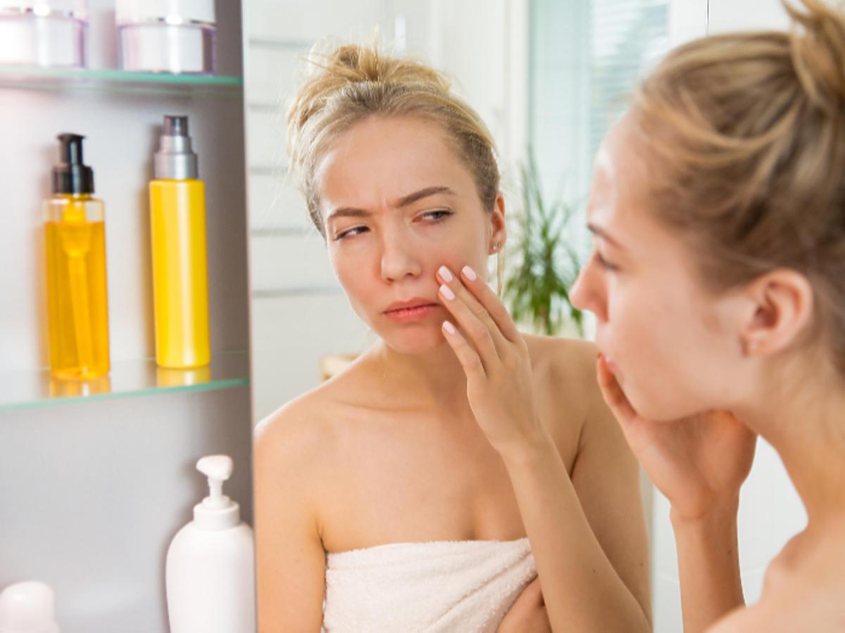 sucha skóra objawy pielęgnacja kosmetyki