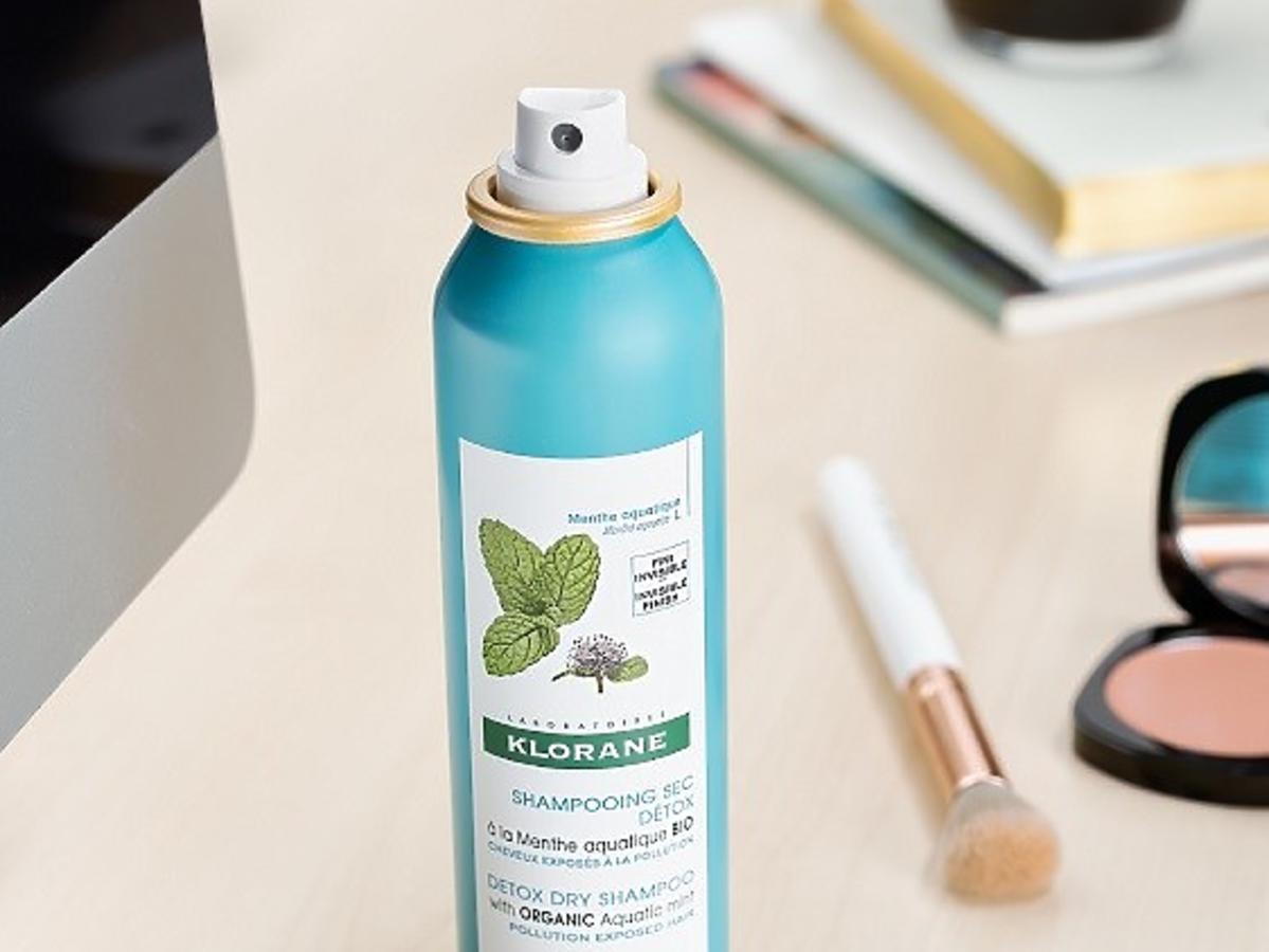 Suchy szampon Klorane z miętą nadwodną