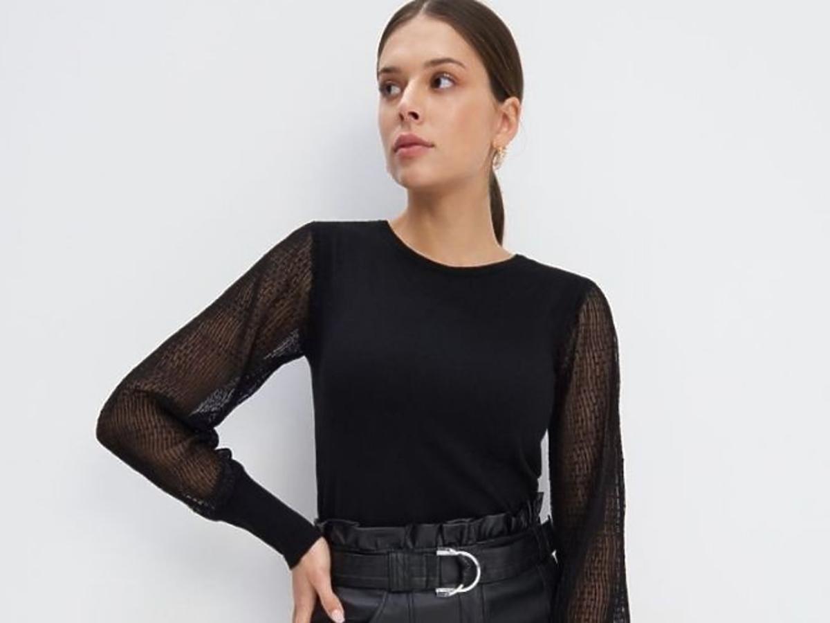 Supermodna czarna bluzka z Mohito