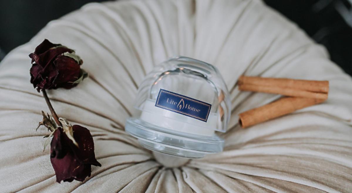 ŚWIECZKA KOSMETYCZNA DO REGENERACJI SKÓRY DŁONI LiteHouse Candles