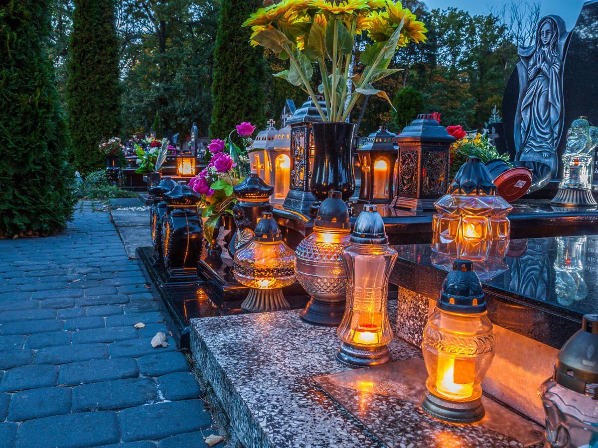 święto zmarłych - cmentarz