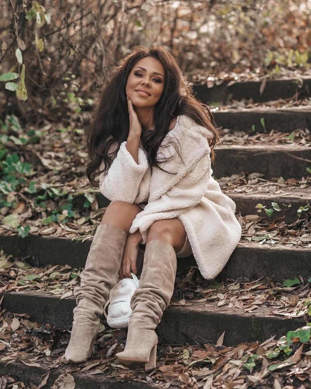 """Sylwia Bomba z """"Gogglebox"""" w supermodnym płaszczu z H&M. Jest idealny na zimę"""