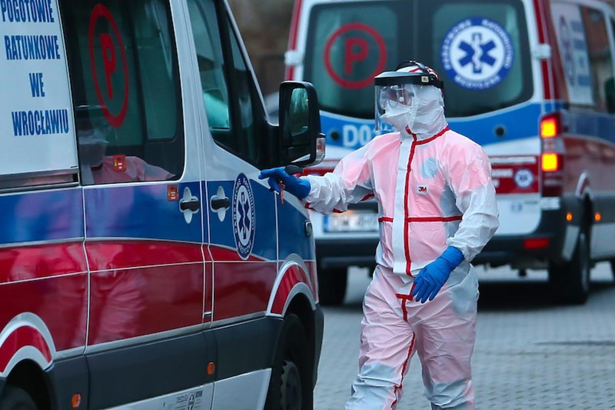 Szczyt zachorowań na koronawirusa w Polsce mamy już za sobą