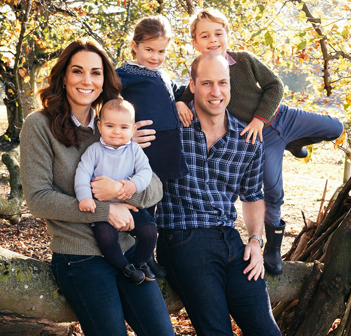 Tak wygląda dzieciństwo George'a, Charlotte i Louisa. Książę William i księżna Kate pokazali wzruszające kadry