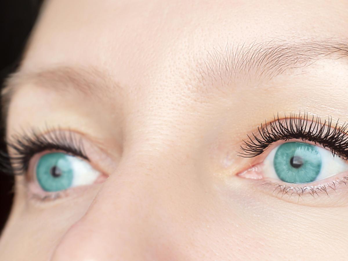 tani dobry tusz tusz w promocji promocja w Rossmannie tusz Miss Sporty Studio Lash 3D Volumythic Mascara efekty