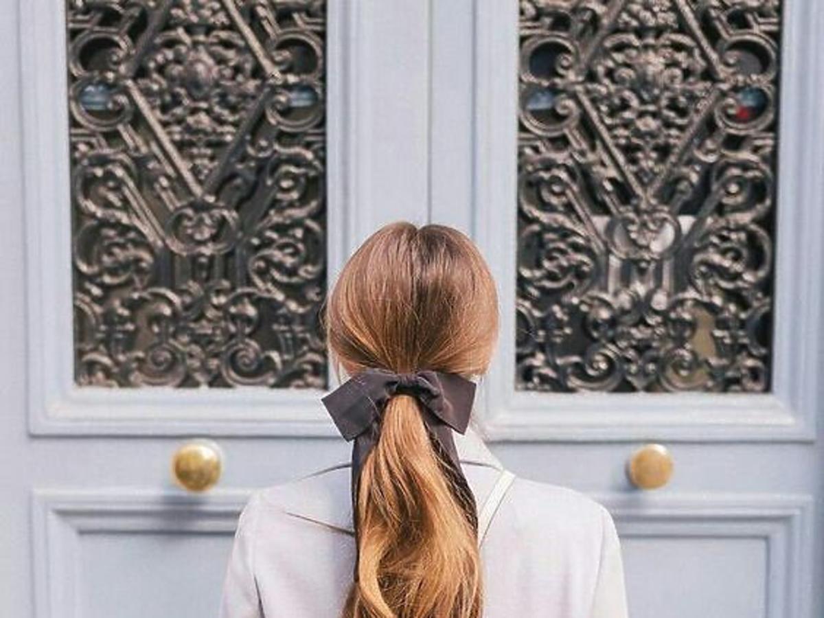 Tani i skuteczny jedwab do włosów. Który warto kupić? [PRZEGLĄD]