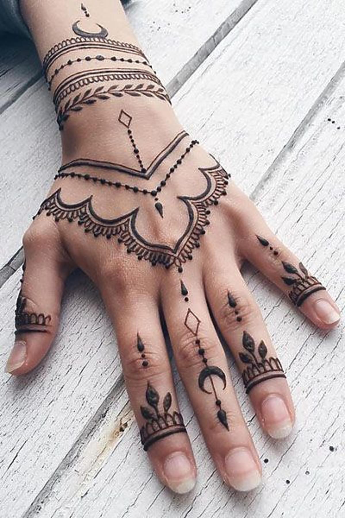 tatuaż z henny