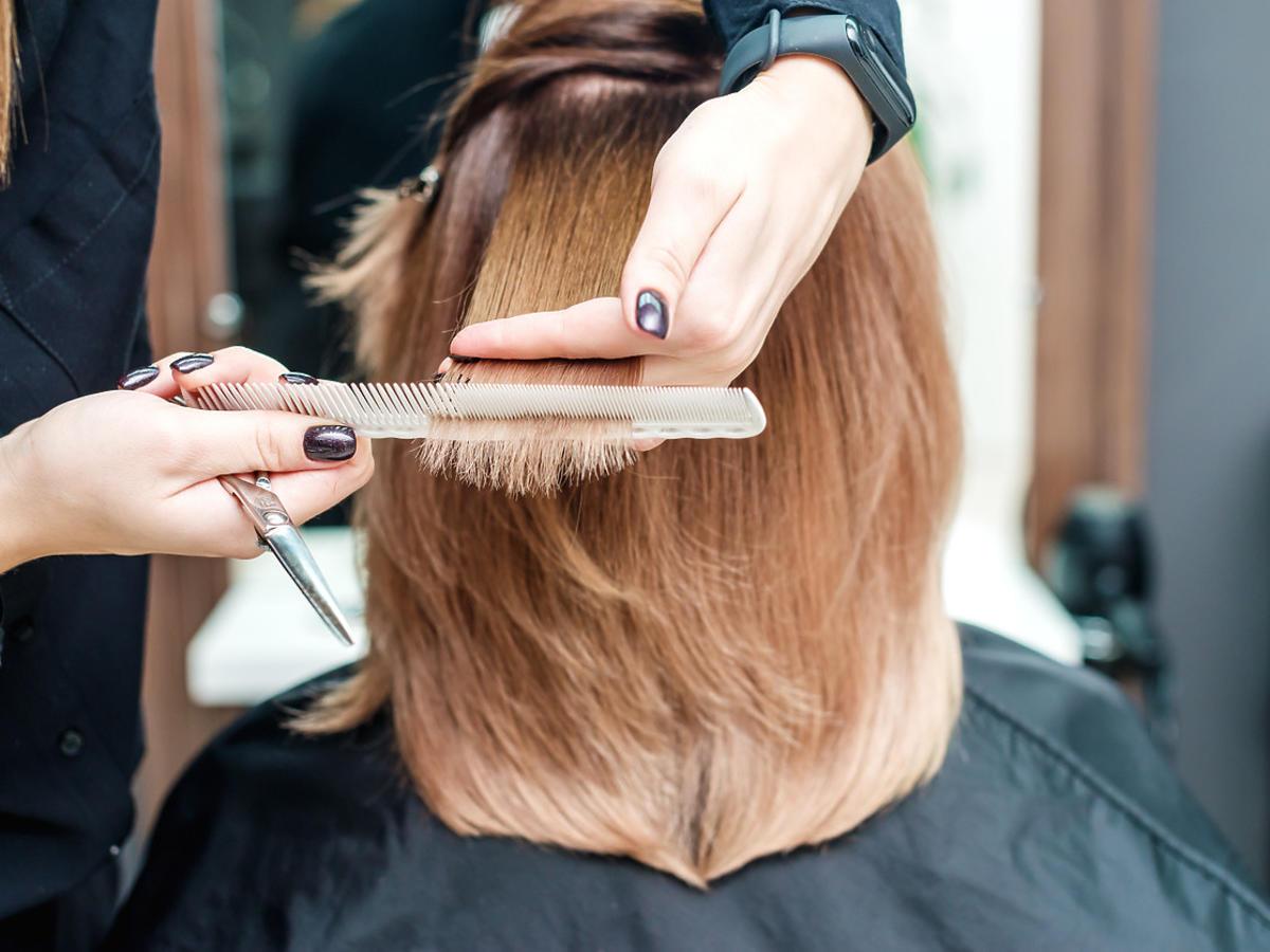 włosy cieniowane warstwowo