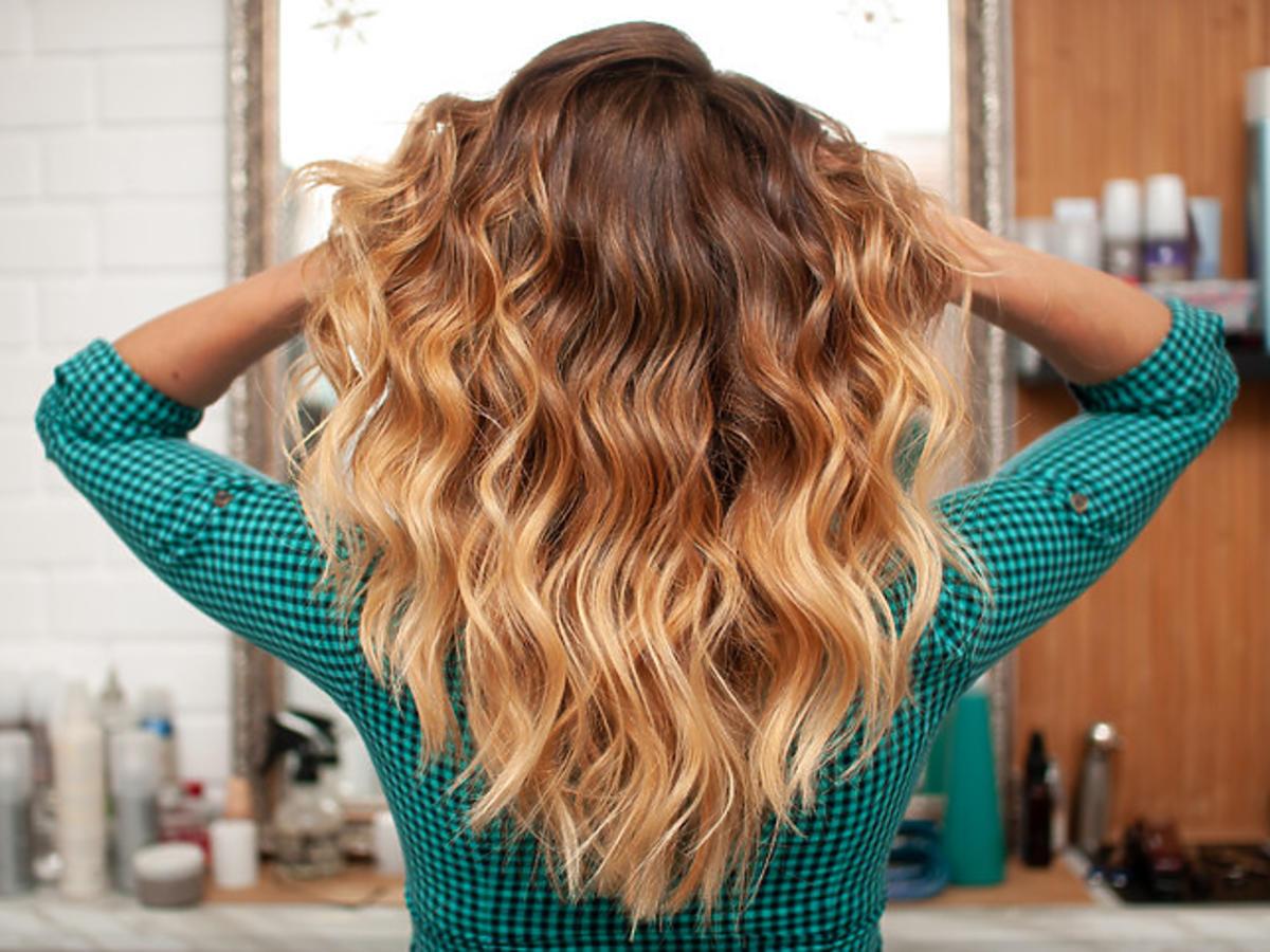 Włosy po peelingu trycholgicznym