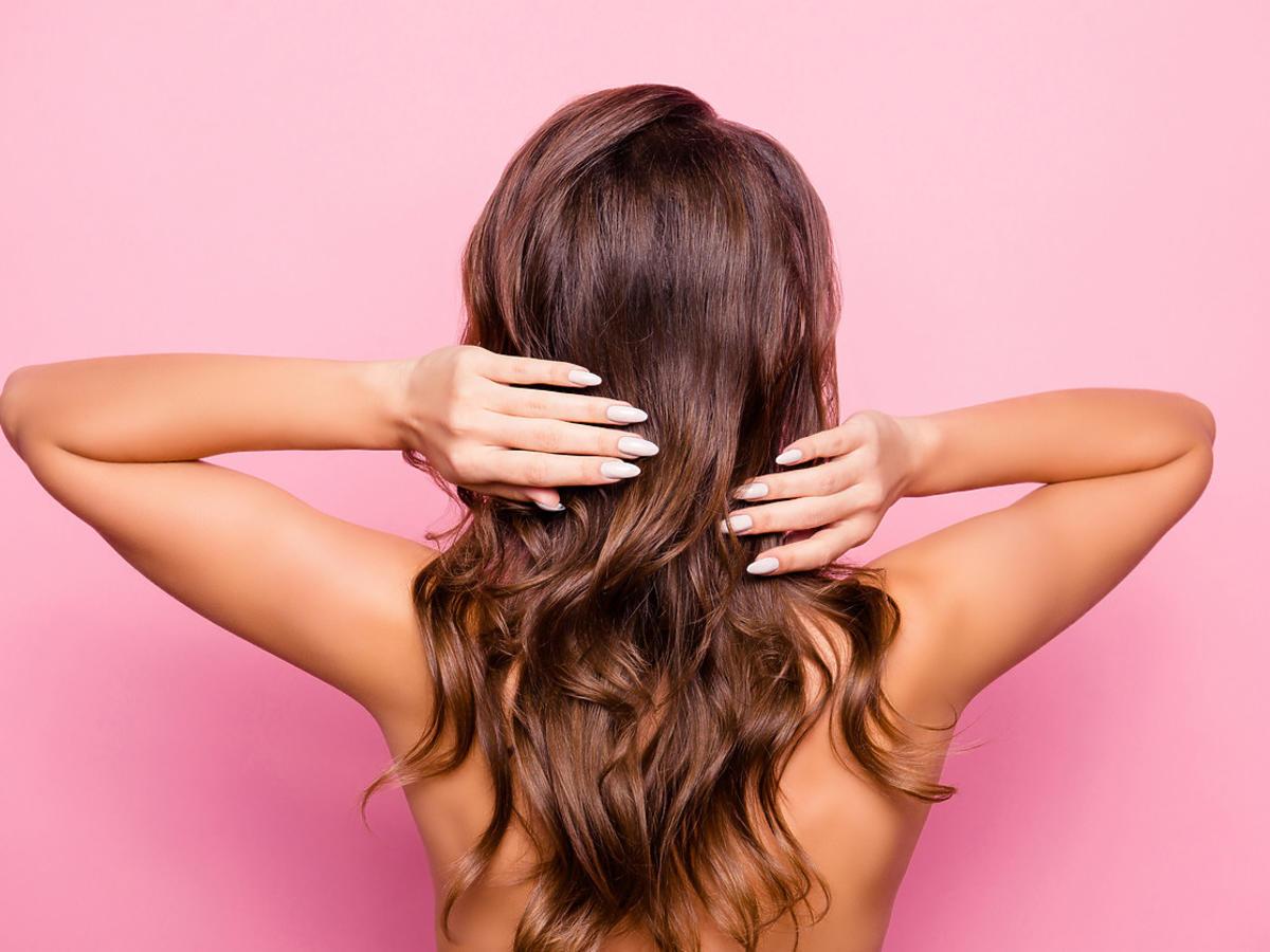 włosy po użyciu najlepszej odżywki do włosów