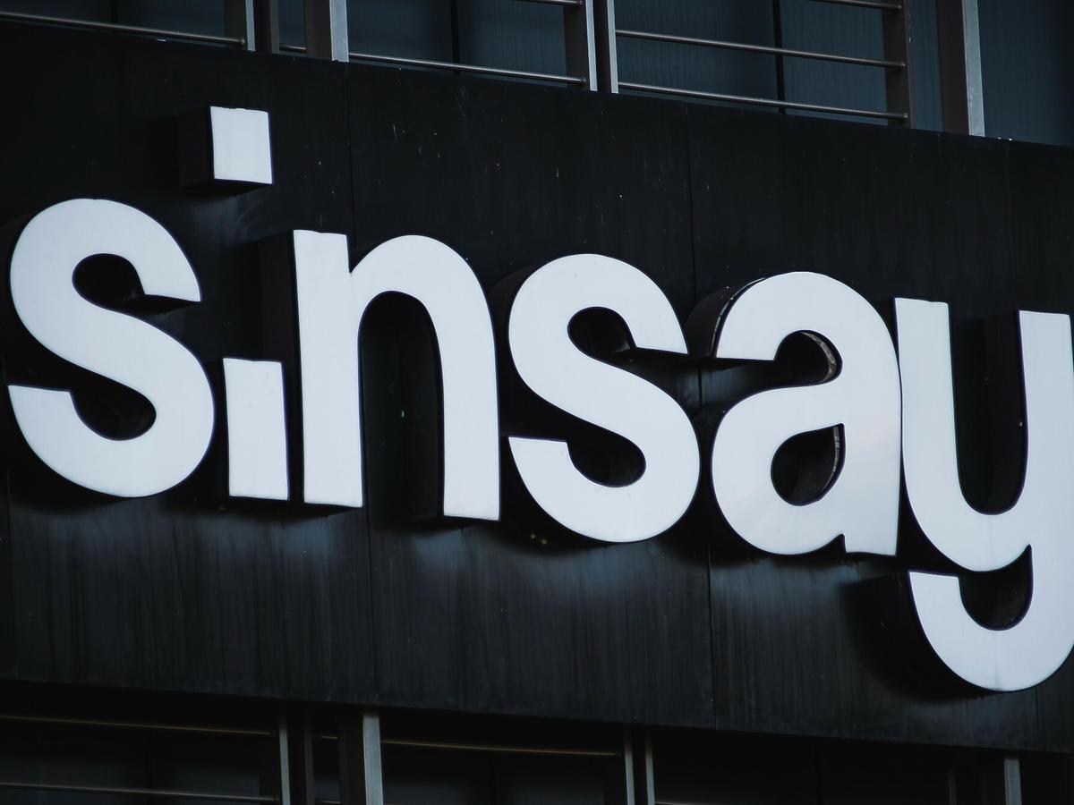 wyprzedaż w Sinsayu