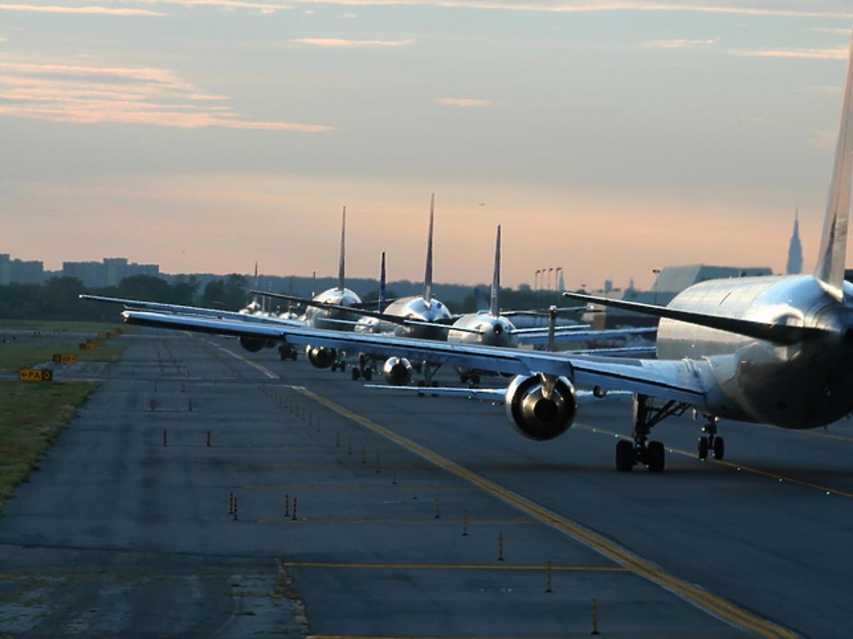 Zakaz lotów przedłużony - podano nową datę