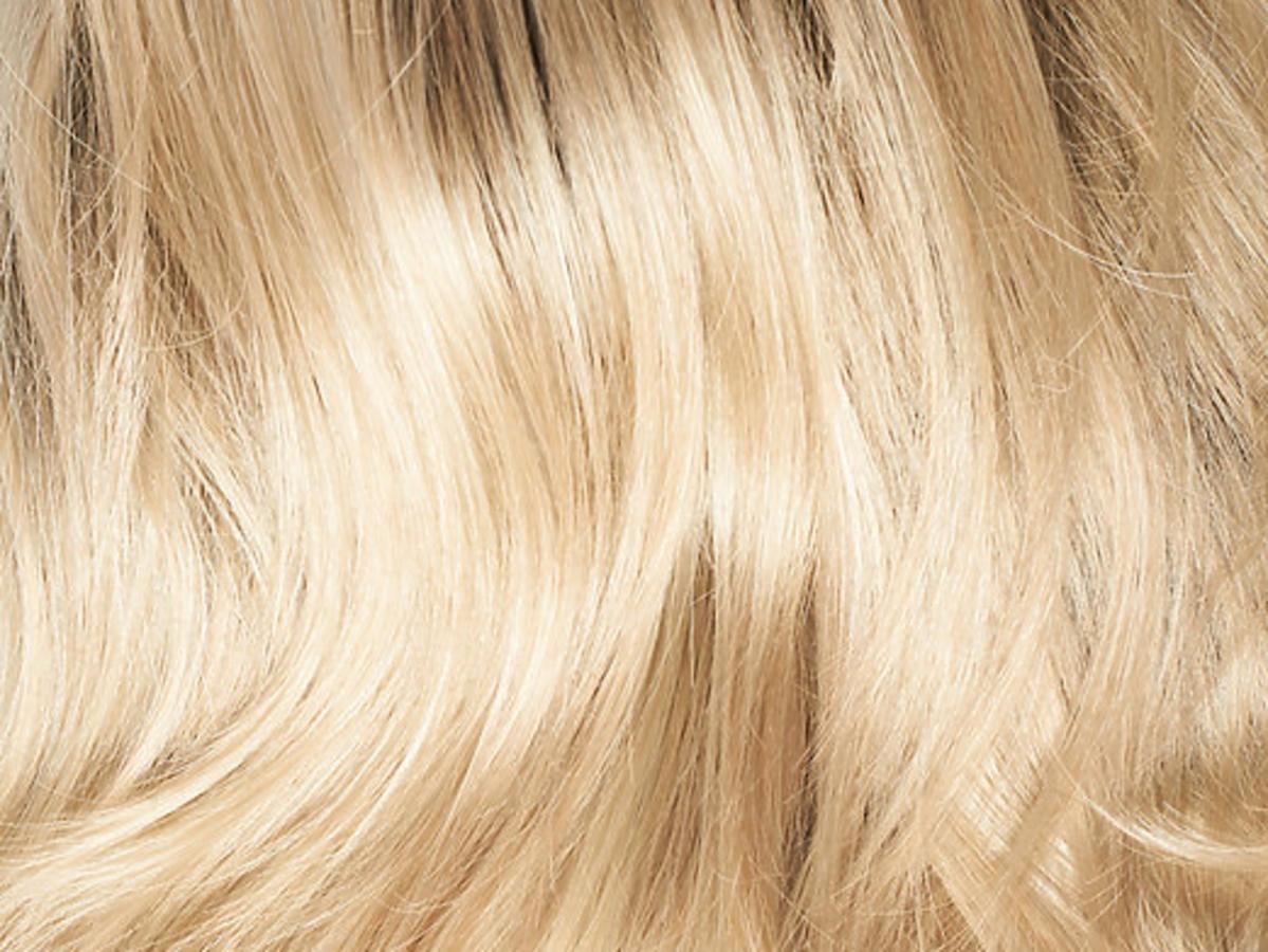 zdrowe blond włosy