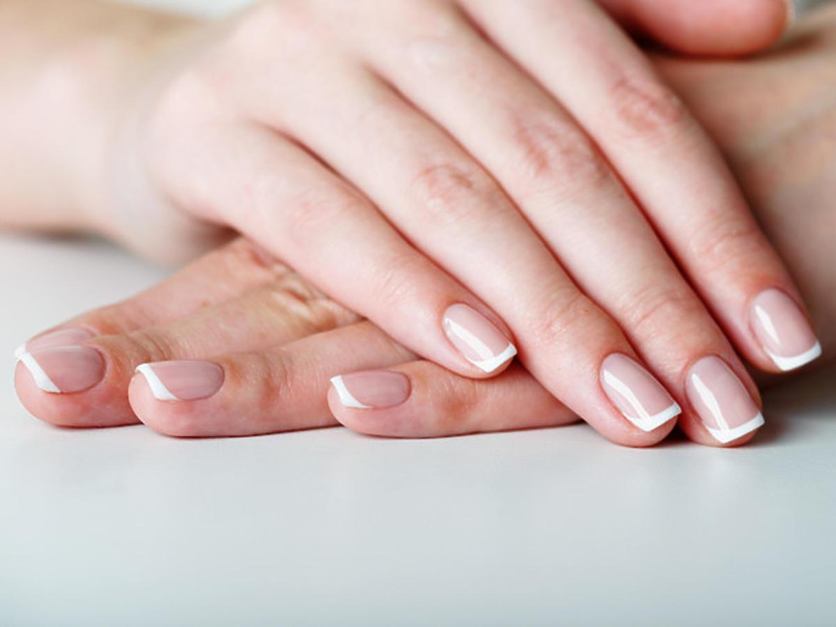 zdrowe paznokcie po użyciu odżywki Eveline