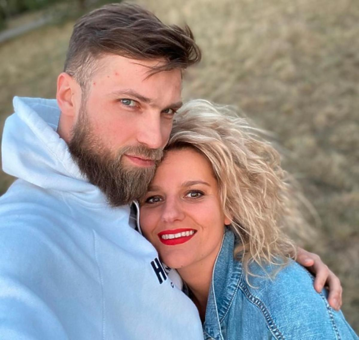 """Zofia Zborowska czekała aż rok, żeby pokazać kontrowersyjne zdjęcie z mężem: """"musiałam mieć pewność, że się ze mną nie rozwiedzie"""